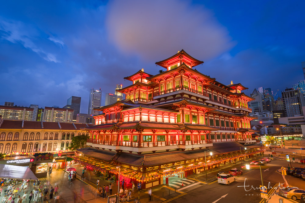 Singapore Buddha Tooth Relic Temple in Chinatown